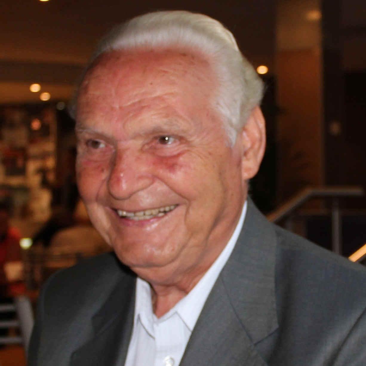George  Apostolou
