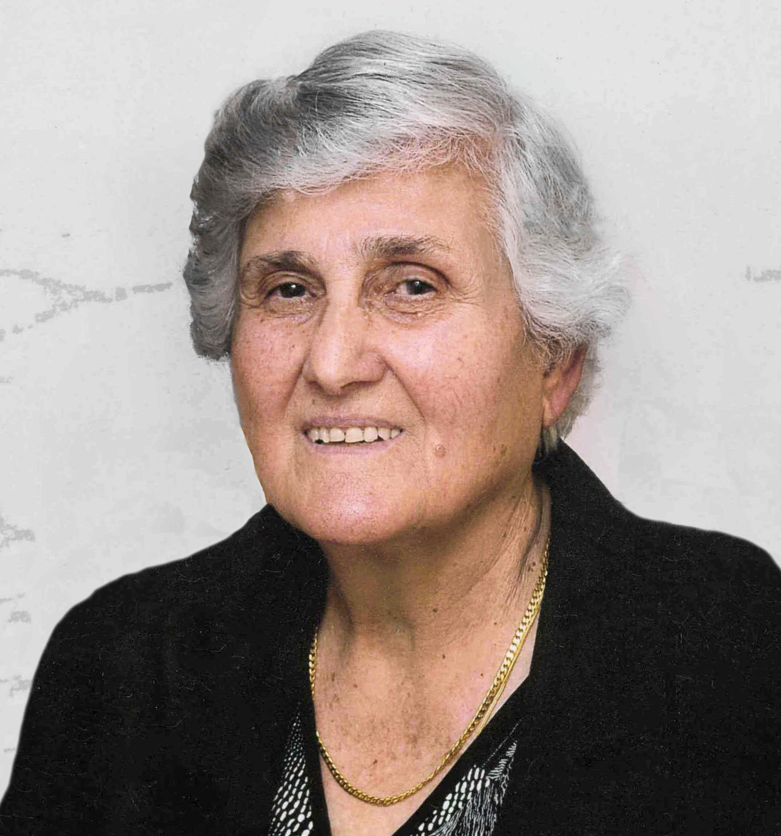 Olga  Karpouzos
